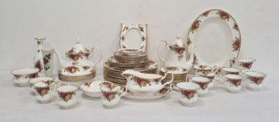 Royal Albert 'Old Country Roses' pattern china part dinner service to include bowls, gravy boat
