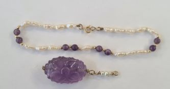 9ct gold, freshwater pearl and amethyst bracelet, similar carved, pearl and amethyst-coloured