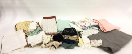 Assorted linen, tablecloths, napkins, etc (1 box)