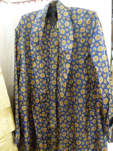 Vintage satin three quarter length jacket, labelled 'Ying Tai Co, Hong Kong and Shanghai', a - Image 3 of 7