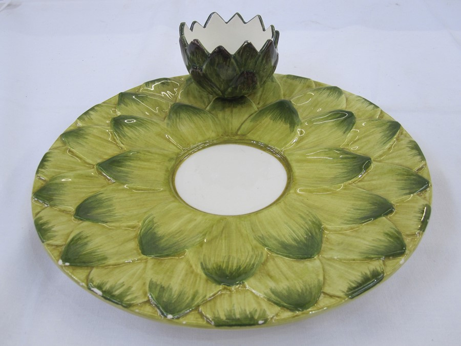 Set of eight Italian Est Ceramiche porcelain artichoke plates, all with dipping bowls and