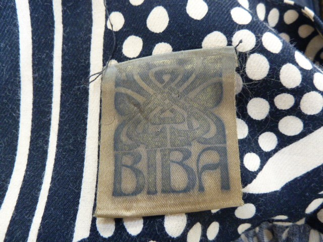 Vintage black and cream Biba smock topwith angel sleeves, three square buttons, labelled, deep - Image 3 of 7