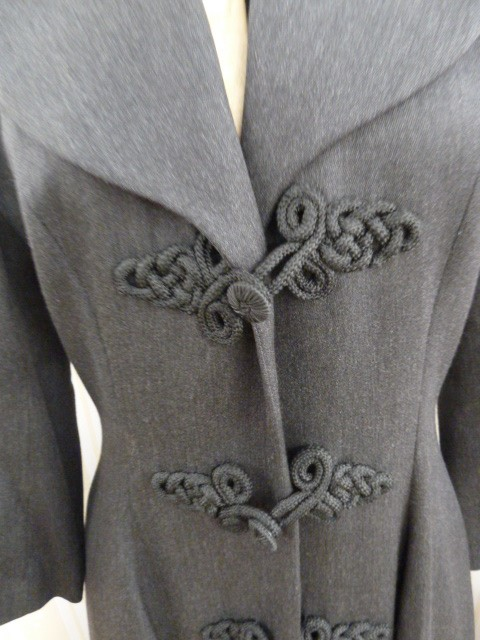 Tomasz Starzewski Classics grey full length coat with frogging detail fastenings, printed lining - Image 2 of 3