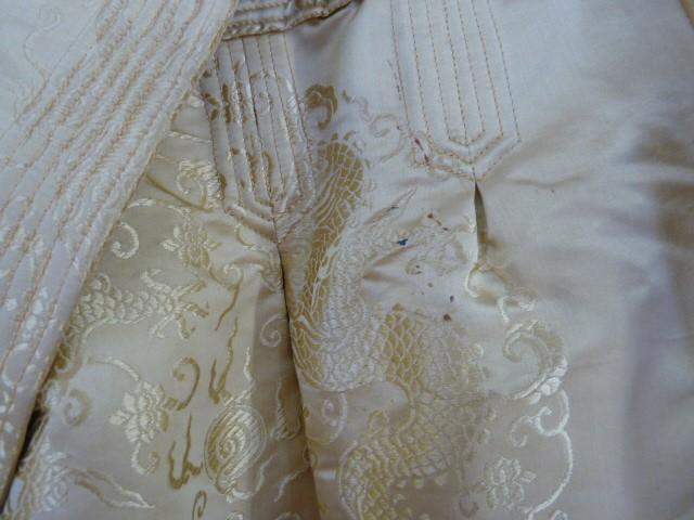 Vintage satin three quarter length jacket, labelled 'Ying Tai Co, Hong Kong and Shanghai', a - Image 5 of 7