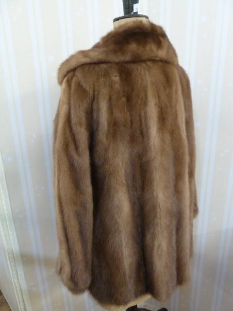 Vintage mink coatwith cuff sleeves, deep shawl collar - Image 2 of 2