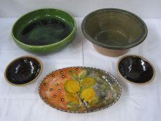 Quantity of studio potteryto include Prinknash, Highland Stoneware, Denby Stoneware, etc (13)