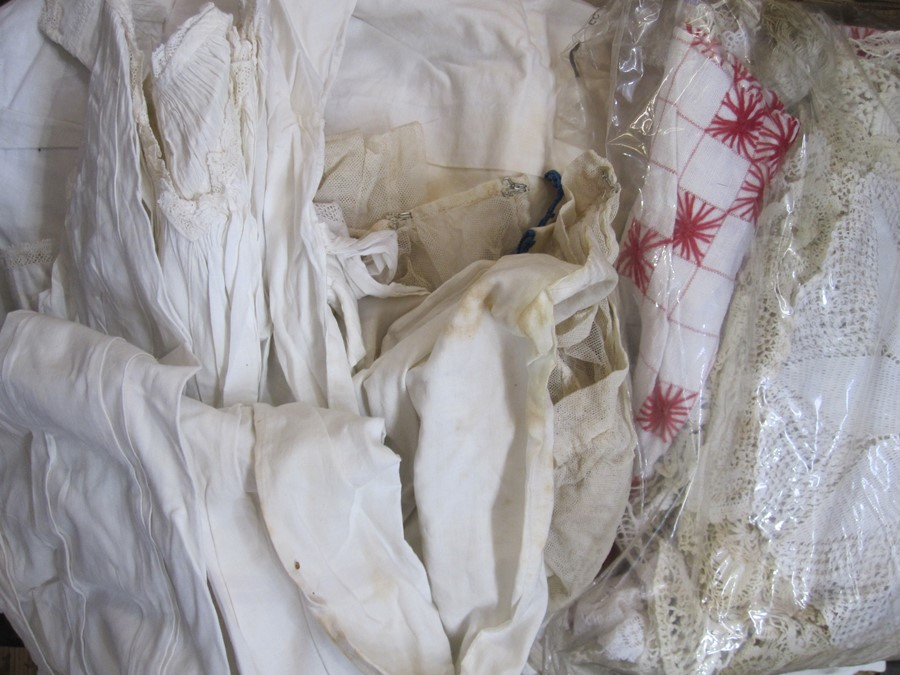 Quantity of linen, lace, Victorian nightgowns, table linen etc. (1 box) - Image 2 of 2