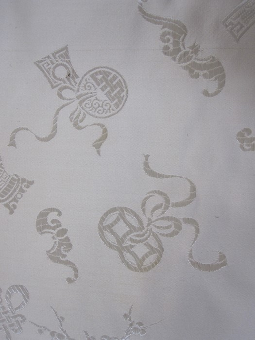 Good length of vintage cream figured satin with Oriental emblems, marked 'Harilelas HK 7655' - Image 2 of 2