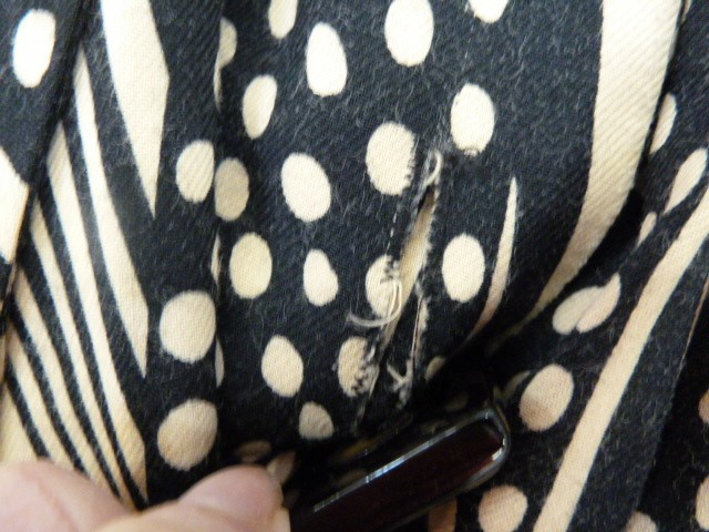 Vintage black and cream Biba smock topwith angel sleeves, three square buttons, labelled, deep - Image 4 of 7