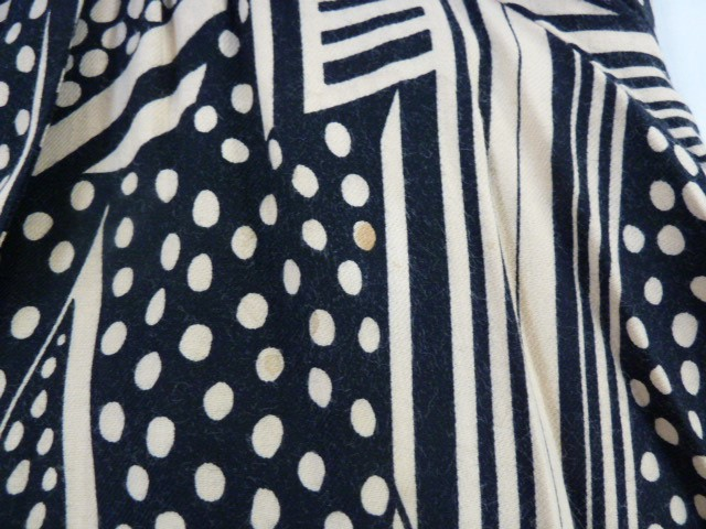 Vintage black and cream Biba smock topwith angel sleeves, three square buttons, labelled, deep - Image 6 of 7