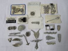 Quantity cards with vintage diamante set brooches and clips and other diamante set jewellery (1 box)