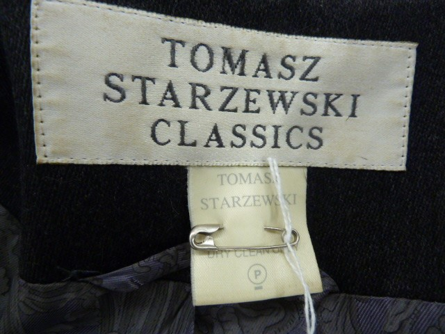 Tomasz Starzewski Classics grey full length coat with frogging detail fastenings, printed lining - Image 3 of 3