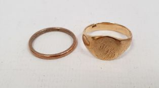 9ct gold gent's signet ring, 4.6g and another ring, indistinctly marked (2)