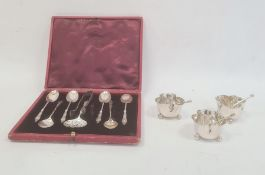 Set of three silver saltsby Atkin Brothers, Sheffield 1899, of lobed form, on three ball feet, with
