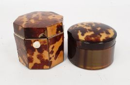 A George III tortoiseshell bachelor's tea caddy, octagonal form, bone handle, 6cm high x 6.2cm