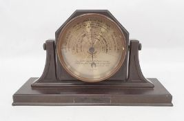 20th century Yeates & Son Ltd of Dublin table-top barometer in bakelite frame