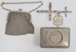 A silver chain purse, a silver coloured metal and glass rectangular trinket box, a silver coloured