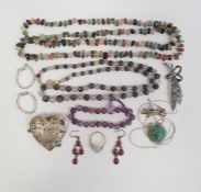 Costume jewelleryto include jade pendant necklace, silver and garnet earrings, South American