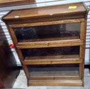 Early 20th century Globe Wernicke style oak three sectional bookcase, 87cm wide x 112.5cm talll