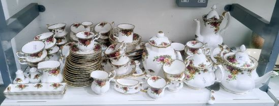 Royal Albert bone china Old Country Roses pattern part tea service, 20th century printed green and