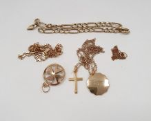 9ct gold box link chain, an Italian gold curb link bracelet marked 9ct, a 9ct gold Maltese cross