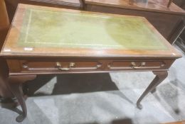 Edwardian library/writing tablestamped 'Gillow', with green leather inset top and mahogany frame,
