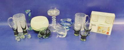 Green and cream studio glass vase, bulbous, 12cm, a graduated model hippopotamus familyof four