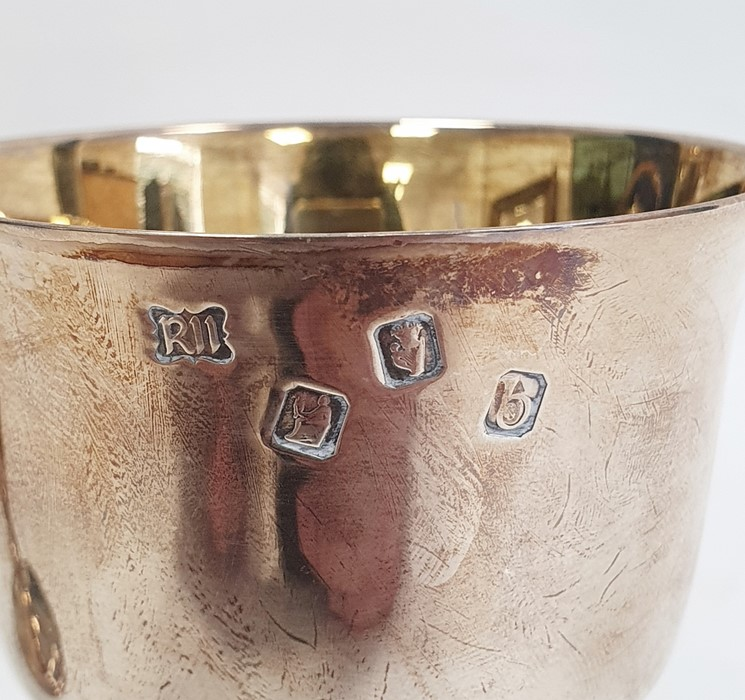 Pair of modern Irish silver goblets by The Royal Irish Silver Company, Dublin 1969, the plain - Image 5 of 5