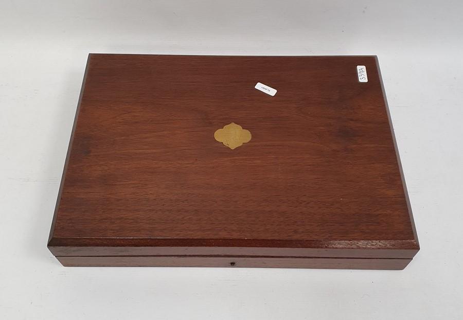 Set of 12 pairs EPNS and yellow-handled fish eatersin mahogany case - Image 2 of 2