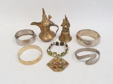 Quantity of costume jewelleryincluding a gilt metal and faux-tortoiseshell necklace, a number of