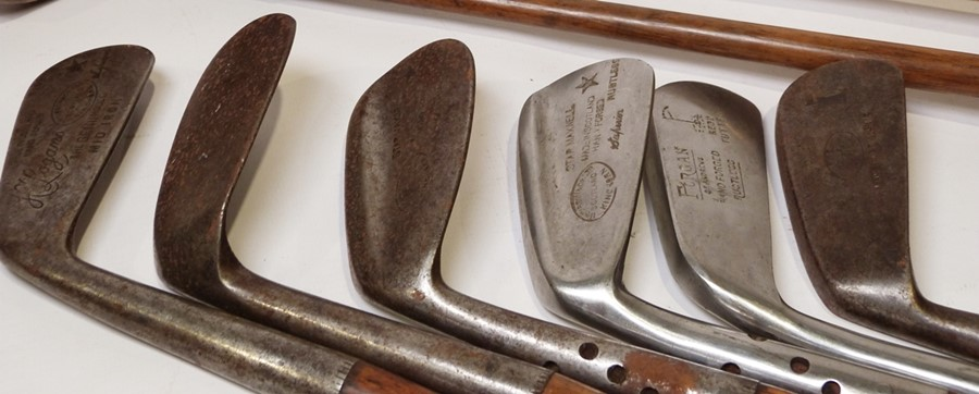 Assorted golf clubsto include left-handed wood-handled clubs, a Gibson & Co Ltd of Scotland King - Image 3 of 5