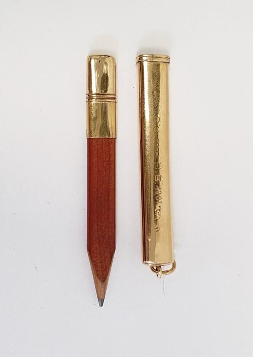 Aspray 18ct gold pencil caseof plain rectangular form with presentation inscription, 8cm long (with - Image 3 of 5