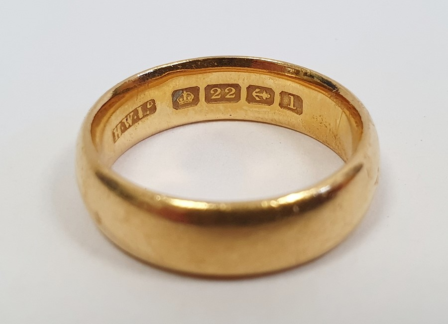 22ct gold wedding ring, finger size M, approx. 7.7g - Image 2 of 2