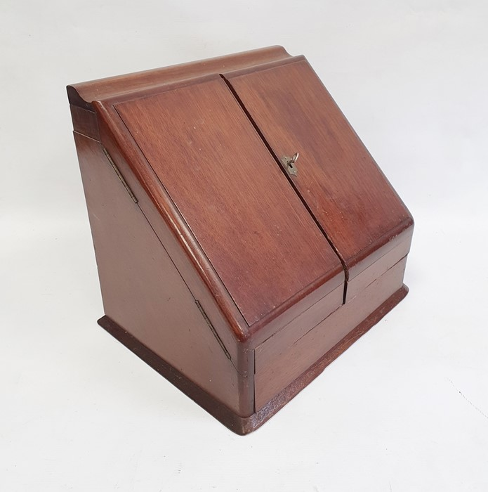 Late 19th/early 20th century mahogany desk tidy, the two doors opening to reveal compartmented - Image 3 of 4