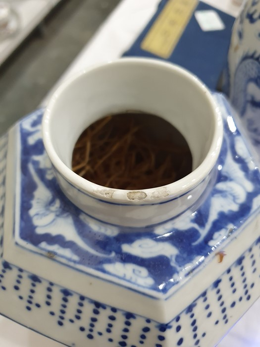 Chinese porcelain hexagonal jar and cover, underglaze blue decoration of lakeside landscape - Image 17 of 25