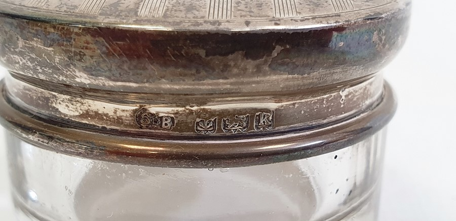 Edward VII silver lidded and glass circular trinket pot, 4.5cm diameter x 2.7cm high, Birmingham - Image 3 of 4