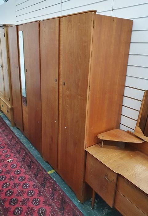 Mid century design bedroom suite comprising large two-door wardrobe, narrow two-door wardrobe and - Image 2 of 3