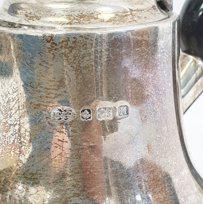 Three-piece silver tea set by Marson & Jones, Birmingham 1932 of circular form with bead borders - Image 2 of 4