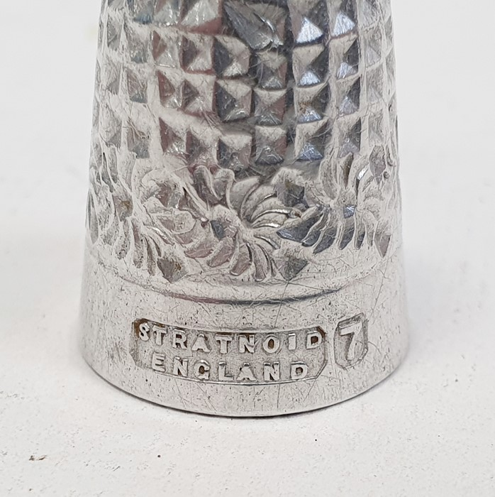 Assorted plated and silver souvenir spoons, various thimbles one marked Mexico, propelling pencils - Image 7 of 8