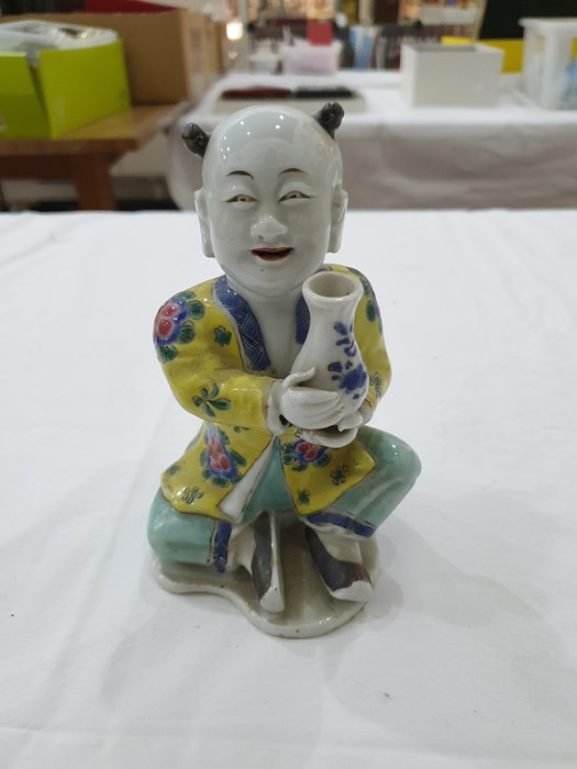 Pair of Chinese porcelain seated figures, laughing boys, each holding a blue and white vase, 16cm - Image 4 of 26