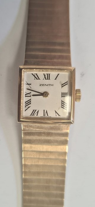 Lady's 9ct gold Zenith bracelet watch, the square dial with roman numerals and with integral 9ct