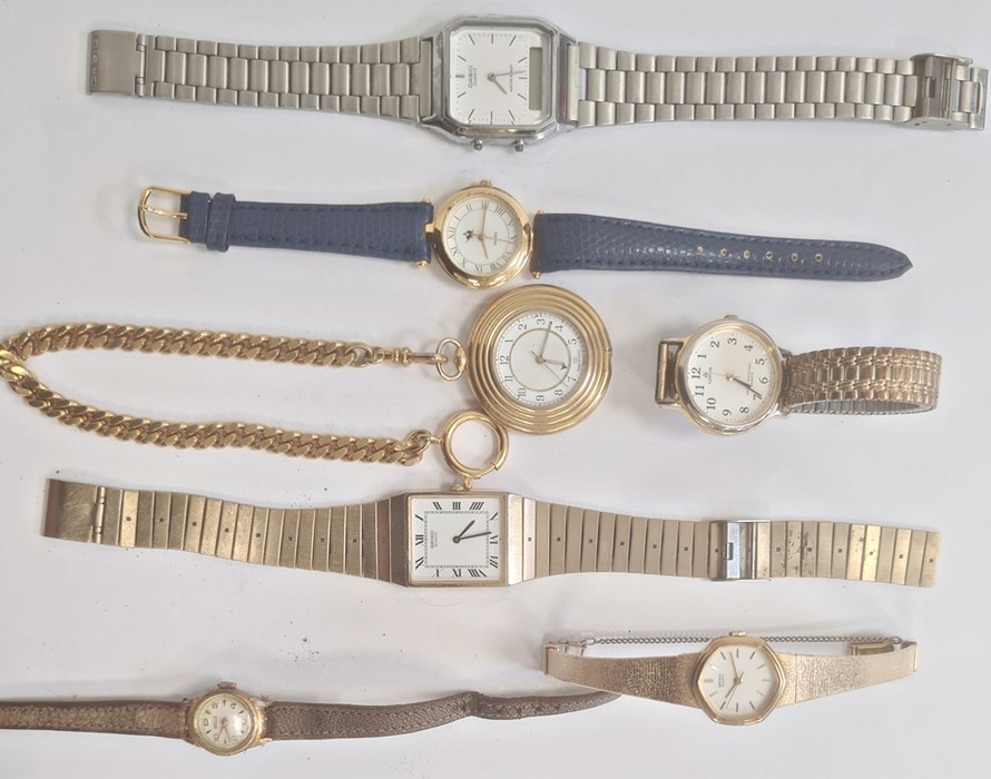 Gentleman's stainless steel Casio bracelet watch, the dial with digital aperture, a lady's gilt