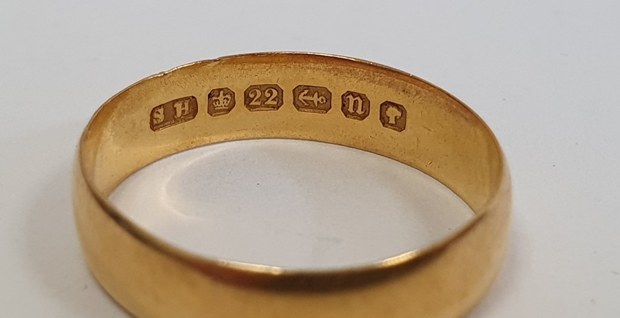 22ct gold wedding ring, approx. 3.5g - Image 2 of 2