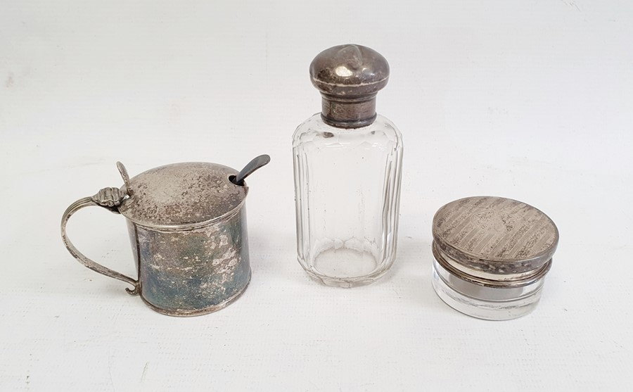 Edward VII silver lidded and glass circular trinket pot, 4.5cm diameter x 2.7cm high, Birmingham - Image 2 of 4