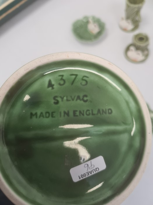Quantity Sylvac pottery, impressed marks, pattern no.4524, comprising reed and swan moulded set of - Image 3 of 5