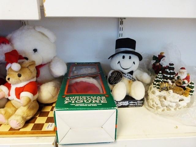 Various Christmas teddy bears, musical Christmas globe, Christmas animated figureand other