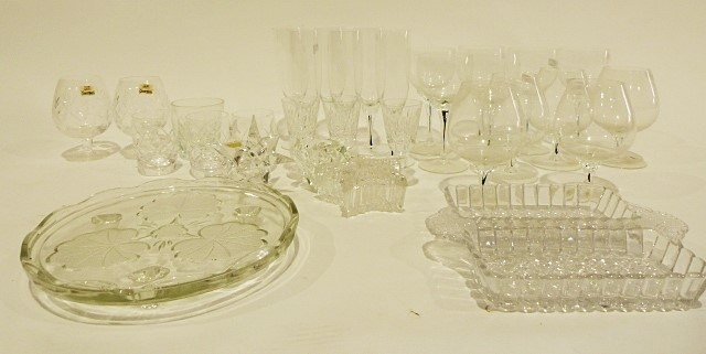 Box of assorted ceramicsincluding a Royal Doulton Reflection pattern part-tea service, Wedgwood - Image 3 of 3