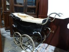 Vintage Silver Cross pram with removable footwell to accommodate two children
