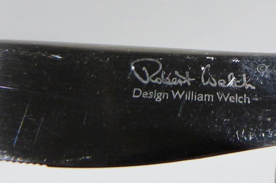 Ten Robert Welch stainless steel table knives with wedge handles, eight matching smaller knives - Image 2 of 2