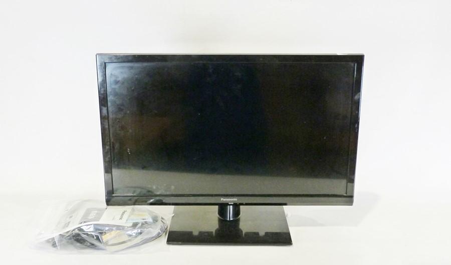 "24"" Panasonic Viera LED television, TX 24D S 500 B"